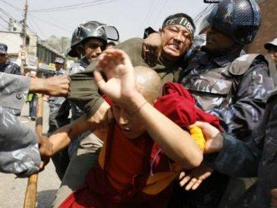 Uhićeni budistički redovnici bombaši