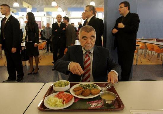 Za 'predsjedničku kuhaču' oštro se bori 20 kandidata