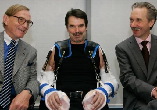 Liječnici prvi put uspješno transplantirali obje ruke