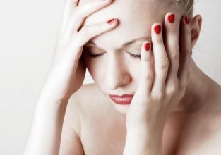 Čaša vode liječi glavobolju, a limunada s medom grlo