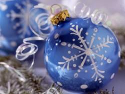 Božićni ukrasi - kuglice sa pahuljicama
