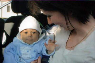 Bebi Davidu temperatura pada, stanje sve stabilnije