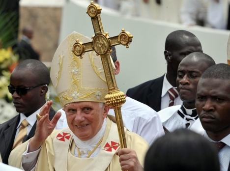 Benedikt XVI. uputio apel kapitalistima