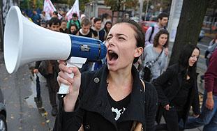 Dok Europa grmi od prosvjeda, hrvatski građani šute i pate....