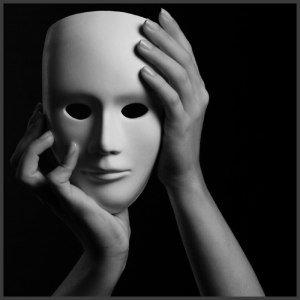 *... ljubazna maska postojanja...*