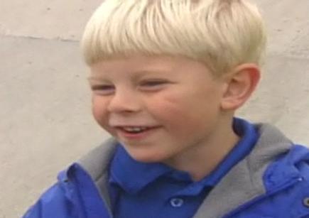 Dječak (5) prodaje kolače za liječenje bolesne curice