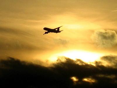 POUČNE PRIČE - Rasizam u avionu