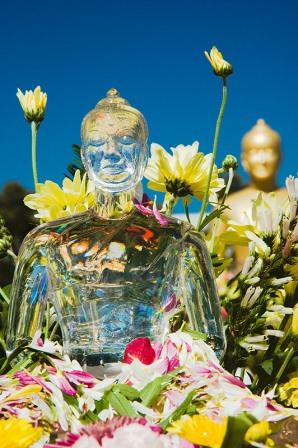 Budistički praznici u različitim tradicijama