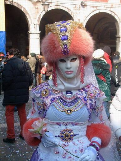 Čarolija karnevalskog maskiranja