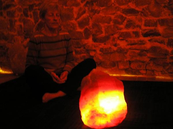 MEDITACIJA UZ SOLNU LAMPU