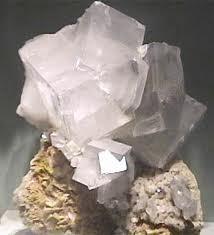 Kristali - vrste i djelovanje 24 - DOLOMIT