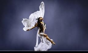 djevojka pleše