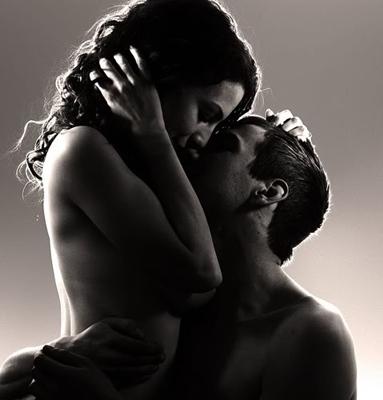 Što navede muškarca da se zaljubi u određenu ženu?