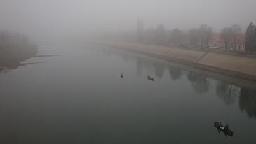 U magli