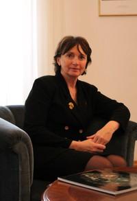 Poziv na predavanje Veleposlanice Republike Francuske u RH