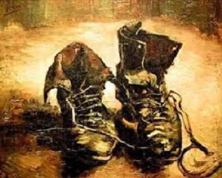 žulj, cipela, i vlat trave