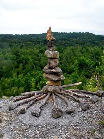 Kretanje stvaranja i zen čuvari tišine i samoće (land art radionica)