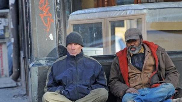 Slavni glumac se prerušio u beskućnika