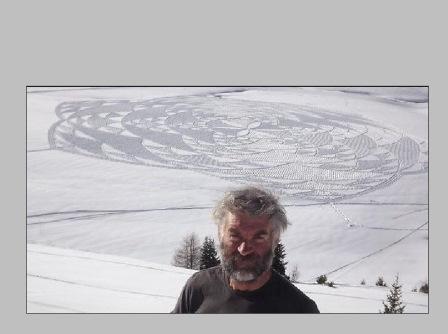 Stopy ve sněhu Simon Beck