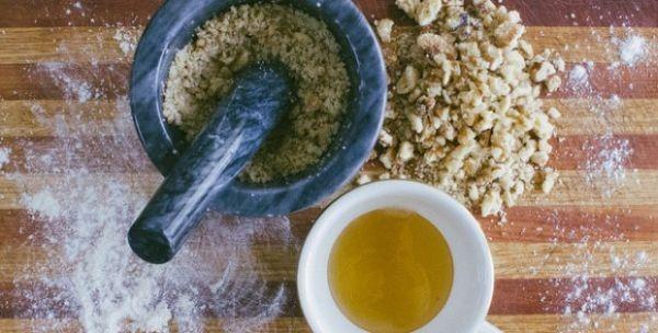 Med, orasi, sirće, bijeli luk liječe sve