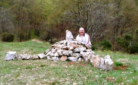 """Izgradnja kamene gomile na """"križanju kod ariša"""""""