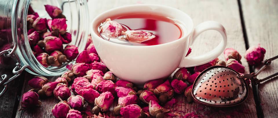 Od ružinih latica pripremite ljekoviti čaj, sirup, ocat i rakiju