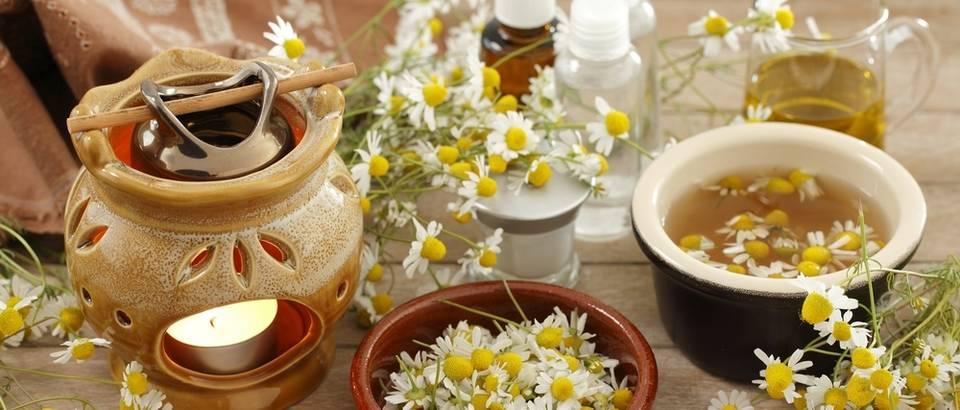 Kamilica nije samo za čaj - pripremite ljekovite obloge, kupku, ulje...