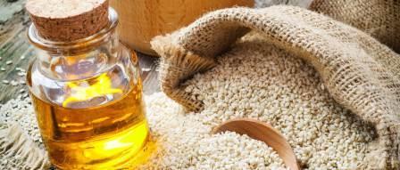 Sezamovo ulje: snižava krvni tlak, čuva oralno zdravlje i mladost kože