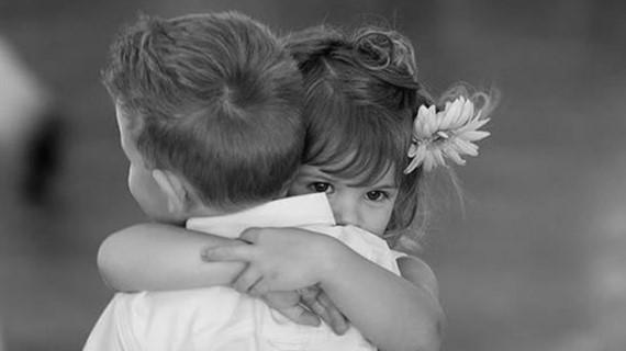 Postoji li nešto moćnije od zagrljaja: Ritual kojim pokazujemo sva naša osećanja