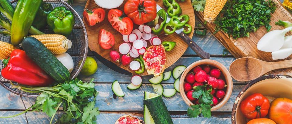 Koja je vrsta prehrane idealna za ljetne dane, a što biste trebali izbjegavati?