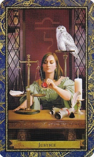 Čarobnjački tarot - Pravda (Učitelj/Učiteljica Etike)