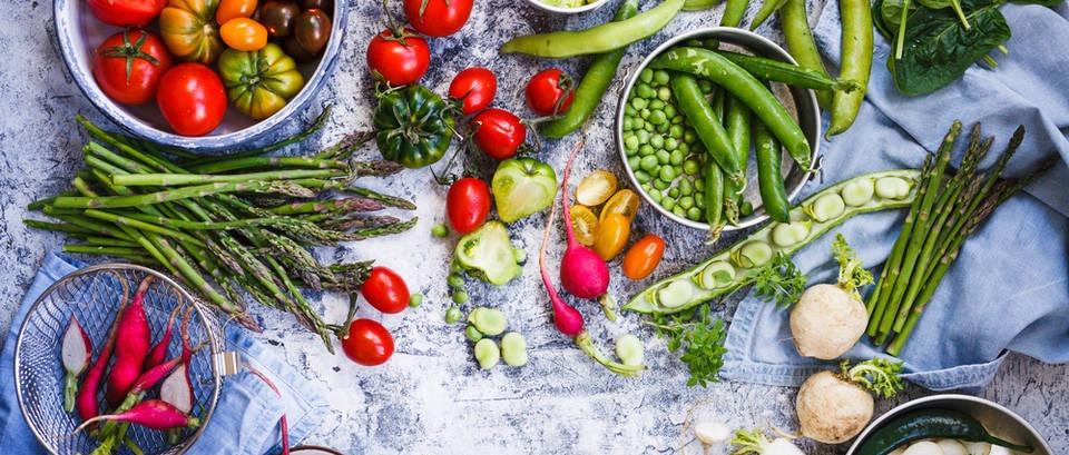 Nadutost na ljetovanju - što jesti, a što izbjegavati?