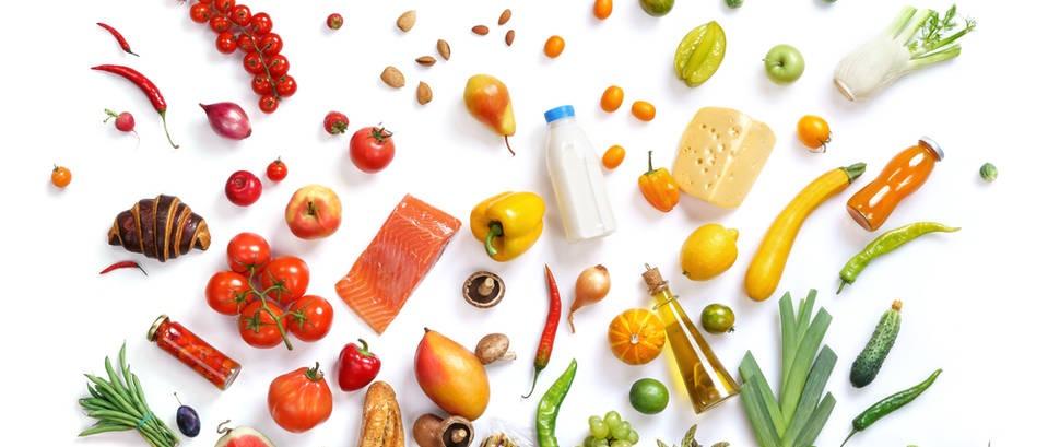 Tablica: koliko vode sadrži određeno voće i povrće
