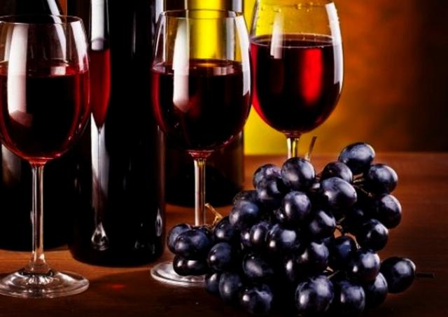 Besplatno tumačenje snova - Turmalino (vinarija, crveno vino, pucanje flaša)