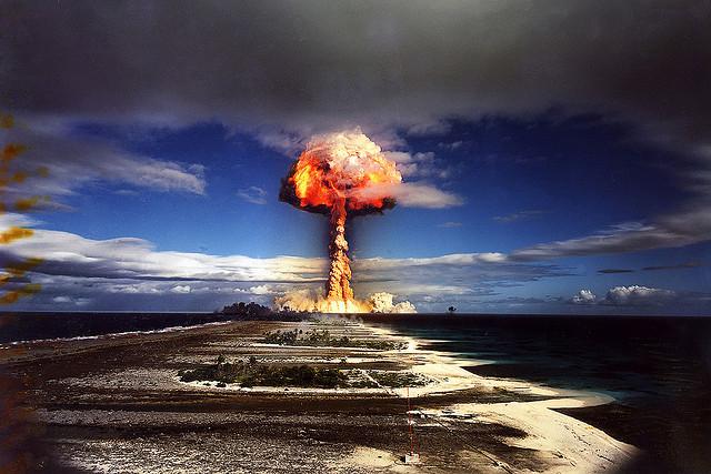 Atomska Bomba - Samo Bomba Straha?!?