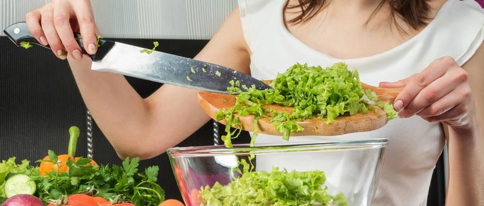 Sirova dijeta i prehrana - je li zdravo jesti samo voće i povrće?