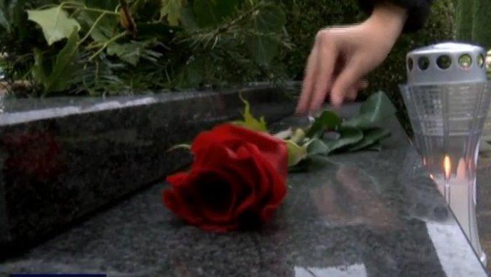 Kako i gdje naći novu ženu, kad si star (romansa na groblju)?