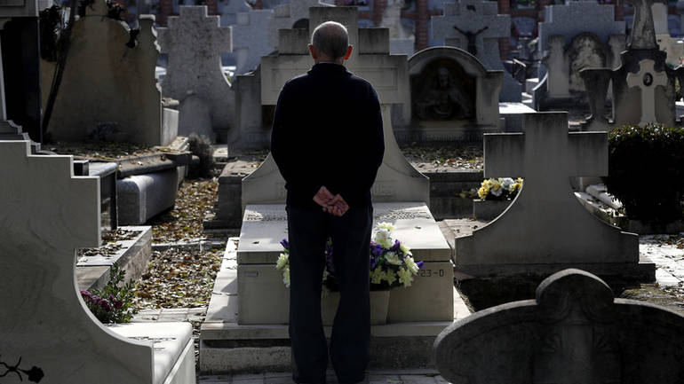 Ne prekapajte po grobovima