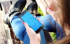 Novo upozorenje: Držite svoje mobitele daleko od glave!