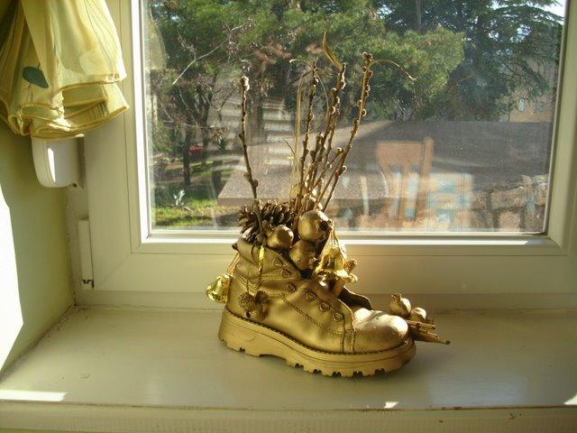 čizmice na prozoru -  Kako se sv. Nikola slavi u različitim zemljama