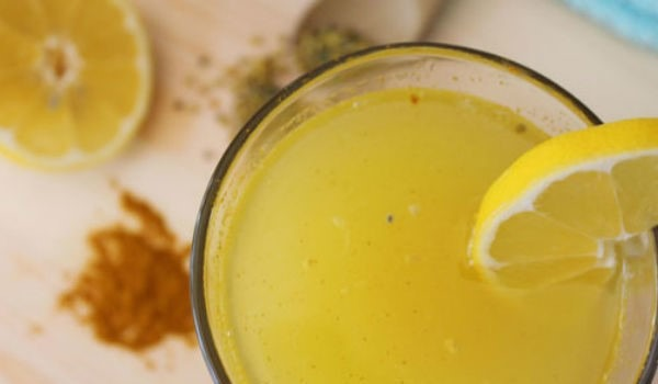 """Naučnici su šokirani: Limunada s kurkumom liječi depresiju bolje od """"Prozaca"""""""