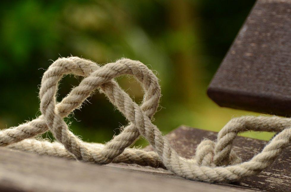 žene možda i žele tradicionalnu ljubav,ali ne žele tradicionalnu vezu!