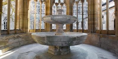 Zdenac u klaustru samostana Maulbronn