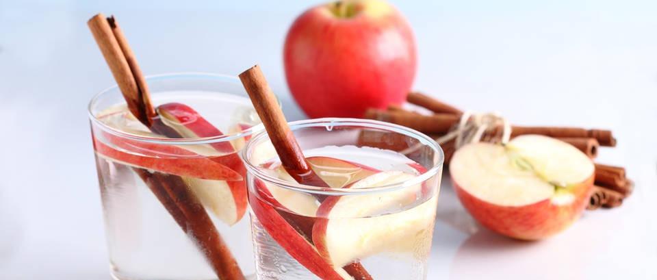 Umorni ste? Voda s cimetom i jabukom vraća energiju