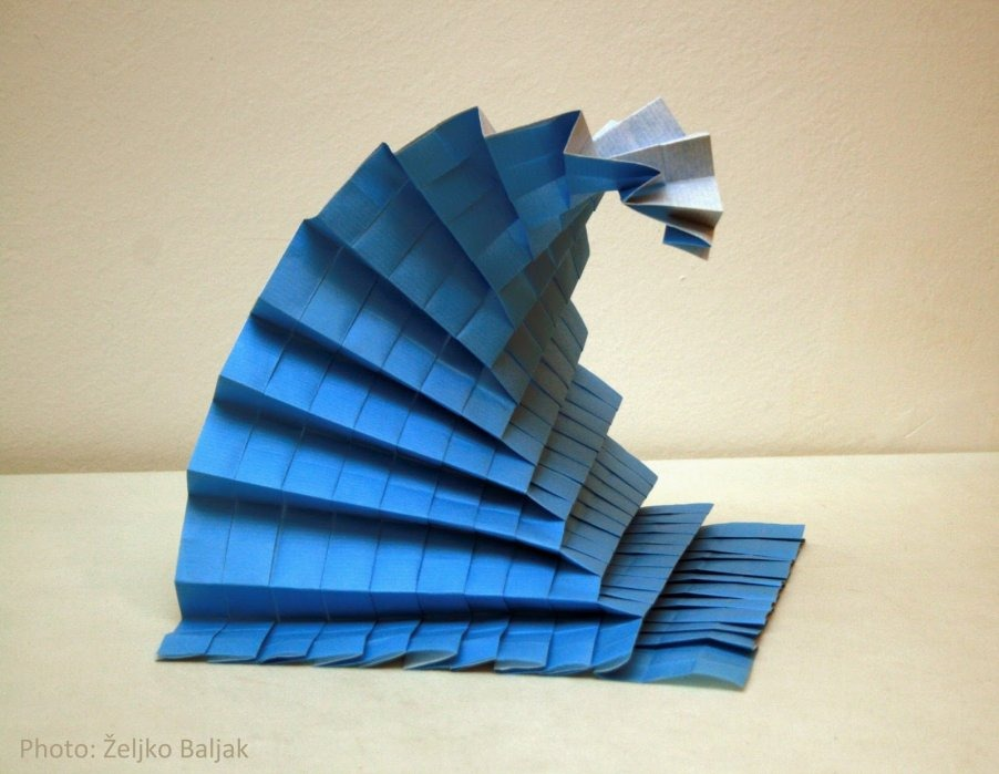 Origami val
