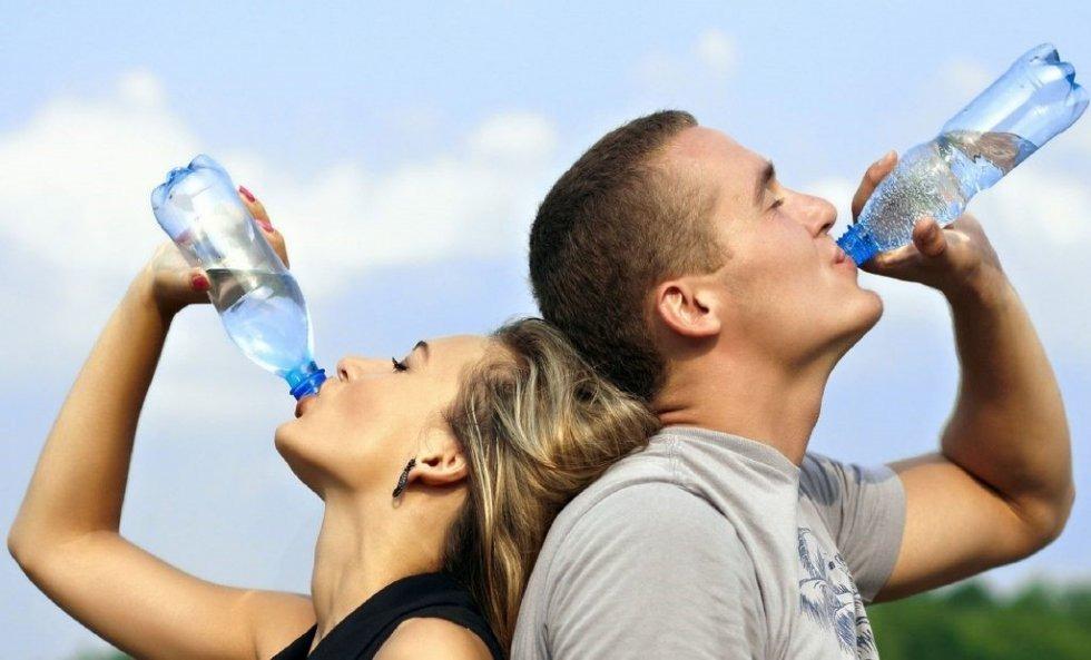 13 zabavnih načina koji će vas naterati da pijete više vode