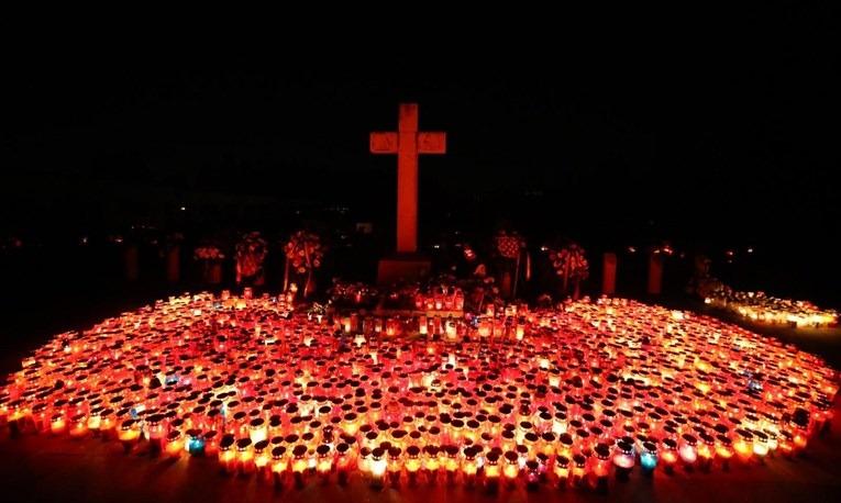 Ispred središnjeg Križa