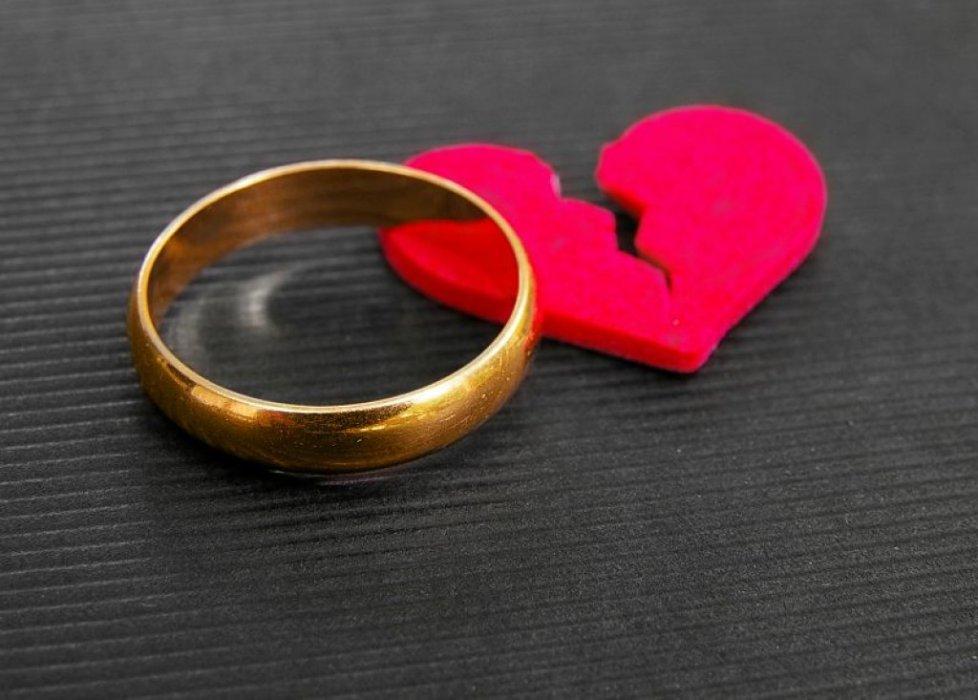 nevini prsten...