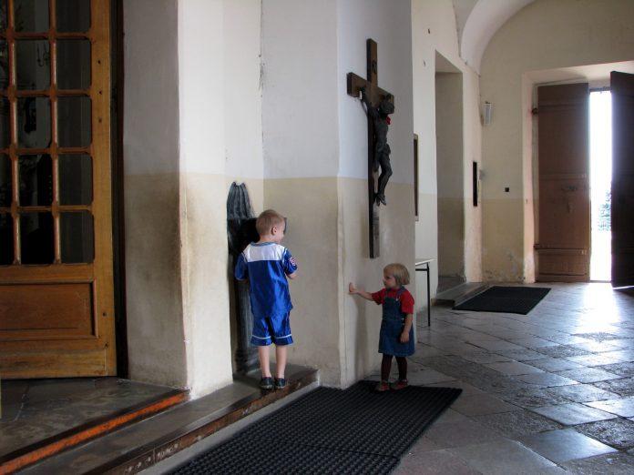 Pedofilija nije problem Katoličke crkve!
