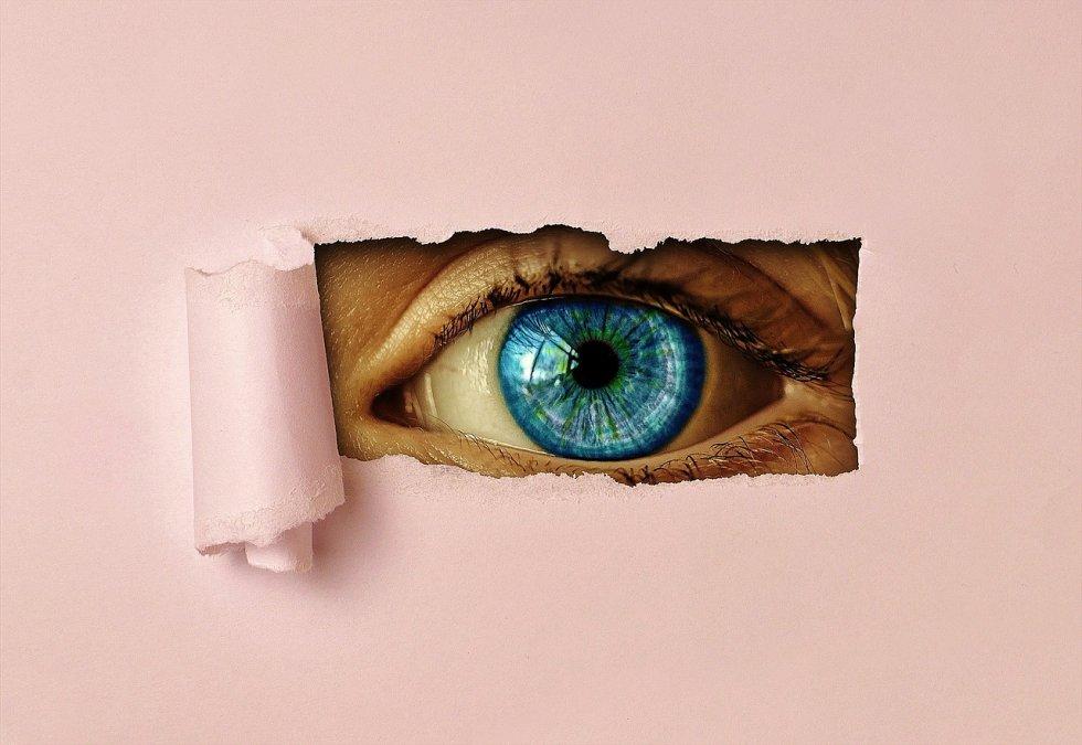 P I S M O  - mamino oko
